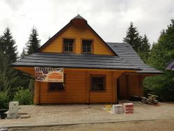 022-slovenska-drevenica-z-vonku